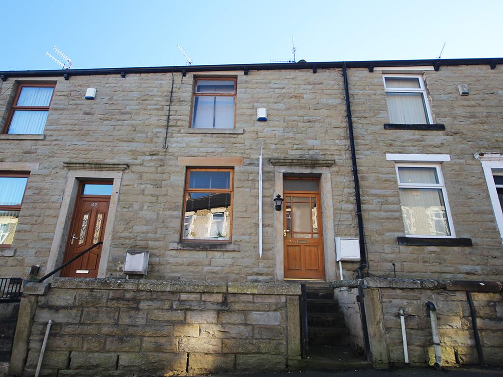 2 bedroom mid terrace house For Sale in Burnley - Property photograph